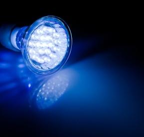 led_lightbulb-cropped